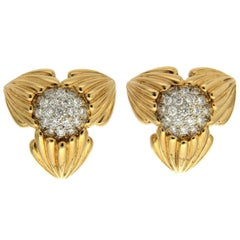 Valentin Magro Diamond Pave Star Pointed Earrings in Gold