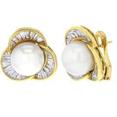 Pearl Huggie Ladies Earrings Damiani 18 Karat Yellow Gold