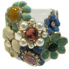 CHANEL Transparent Cuff Decorated with Flowers in Glass Paste and Rhinestone