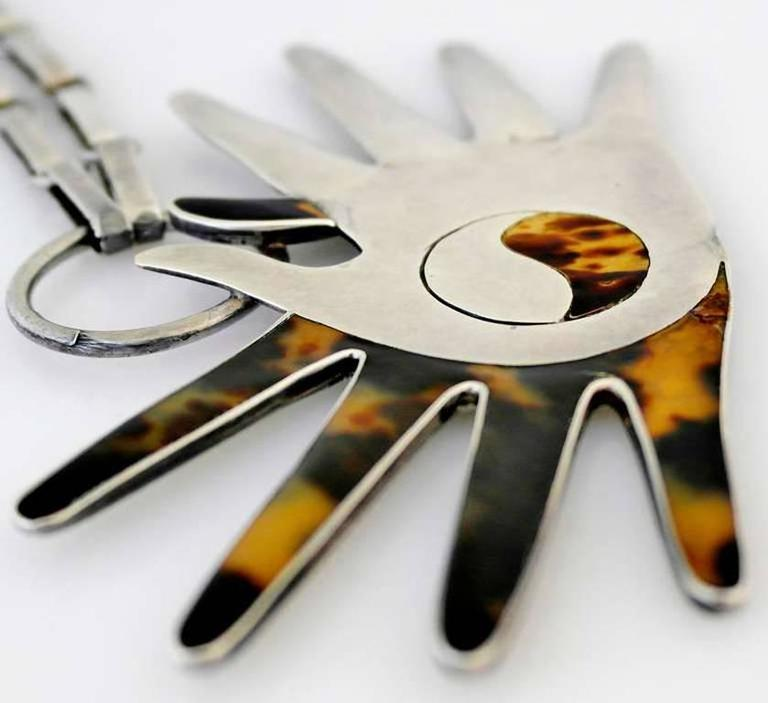 William Spratling Sterling Silver Shell Crossed Hands Necklace 1951 For Sale 3