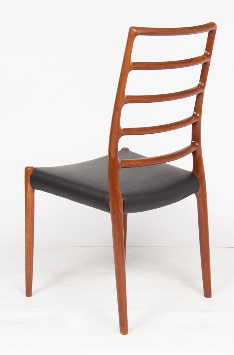Set of Four Neils O.Moller Model 82 Teak Ladder Back Dining Chairs In Good Condition For Sale In London, GB