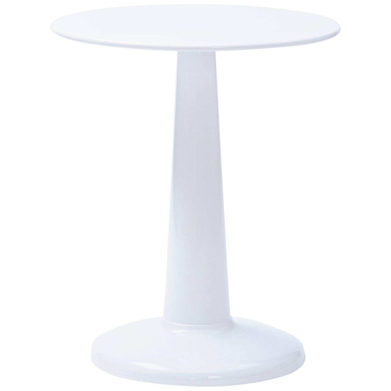 G-Table 60 in Essential Colors by Chantal Andriot & Tolix