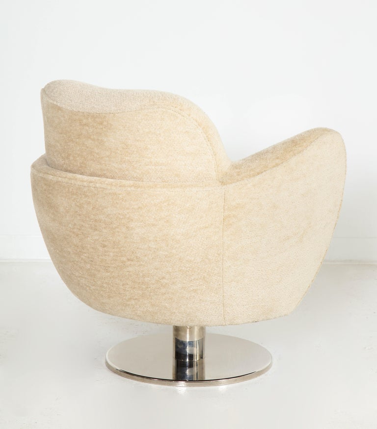 Wrap Around Swivel Barrel Chair Offered by Vladimir Kagan Design Group For Sale 1
