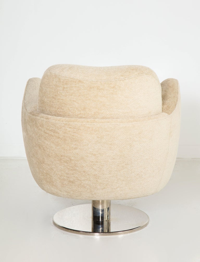 Wrap Around Swivel Barrel Chair Offered by Vladimir Kagan Design Group For Sale 2