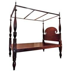 Queen-Size Federal Mahogany Canopy Bed, Mid Atlantic, circa 1820