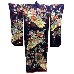 Exceptional Embroidered Brocade Vintage Japanese Ceremonial Kimono