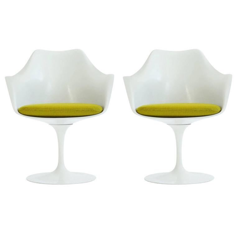 Set of Four Eero Saarinen Tulip Chairs