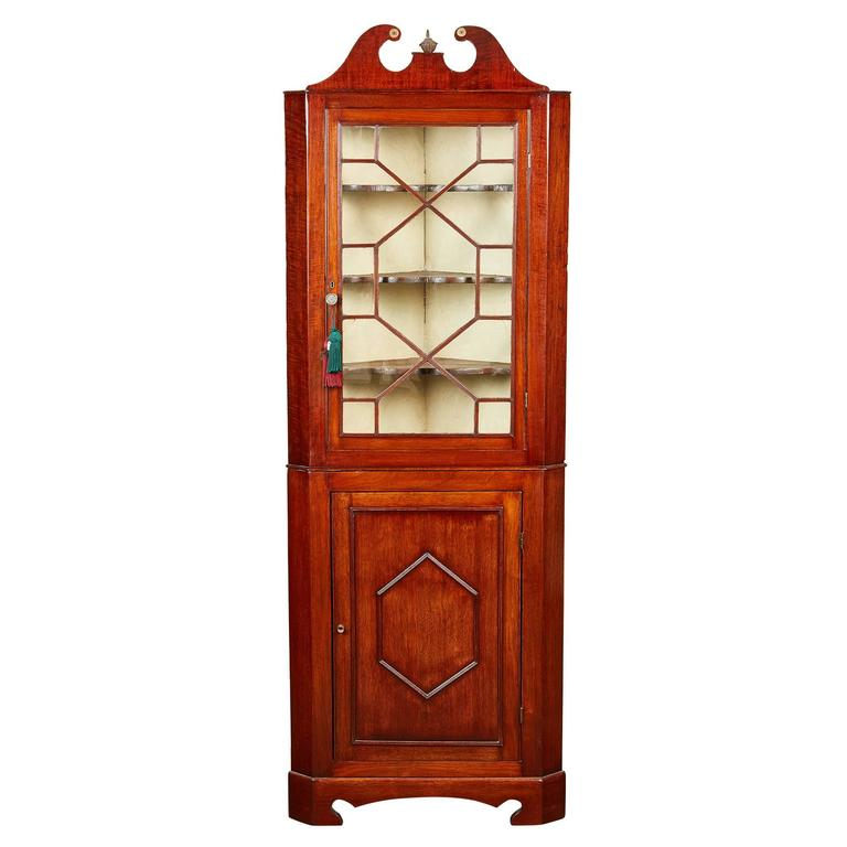 19th Century Edwardian Mahogany Corner  Cabinet