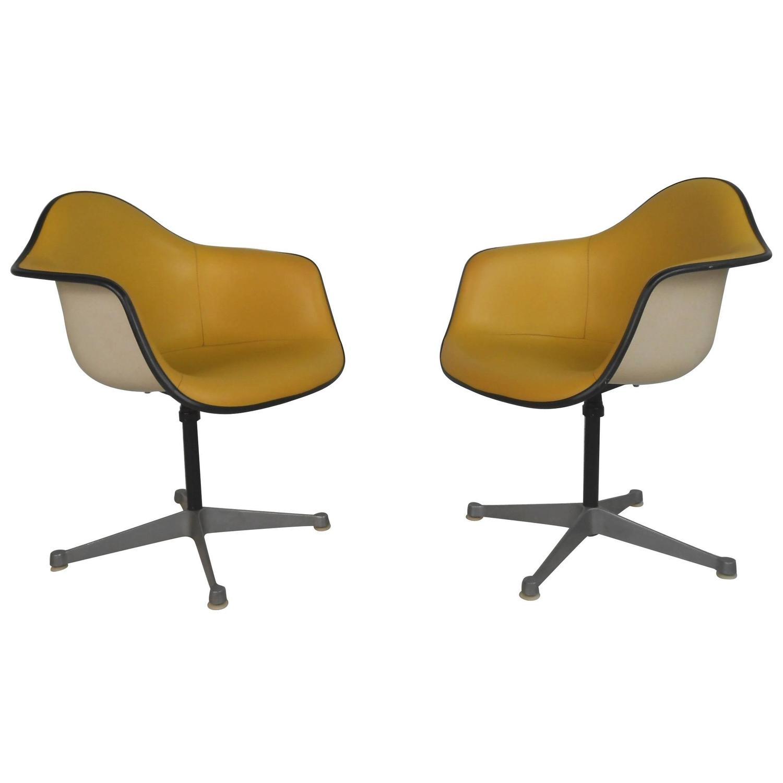 Eames Herman Miller Drafting Stool For Sale at 1stdibs