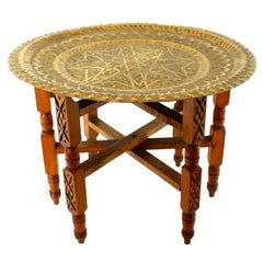 Traditional Moroccan Brass Tray Side Table with Wooden Folding Base, 1940s