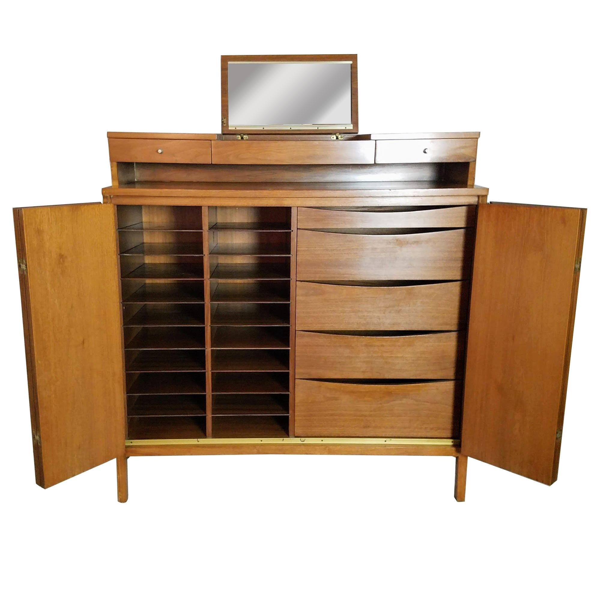 Charmant Paul McCobb Irwin Collection For Calvin Furniture Gentlemanu0027s Tall Chest,  1956 For Sale