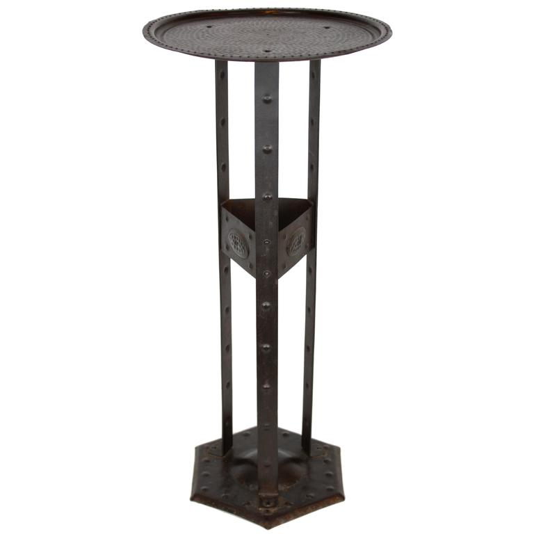 Art Deco Serrurier Boby Hand-Hammered Iron Stand / Gueridon Table, Belgium 1920s