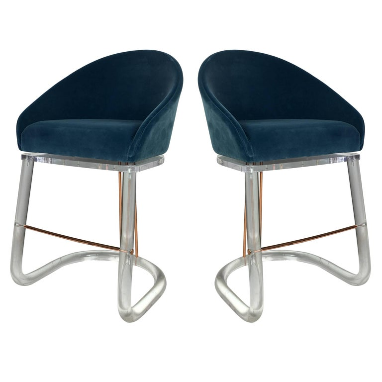 Pair of Lucite and Brass Counter Stools by Lion in Frost For Sale