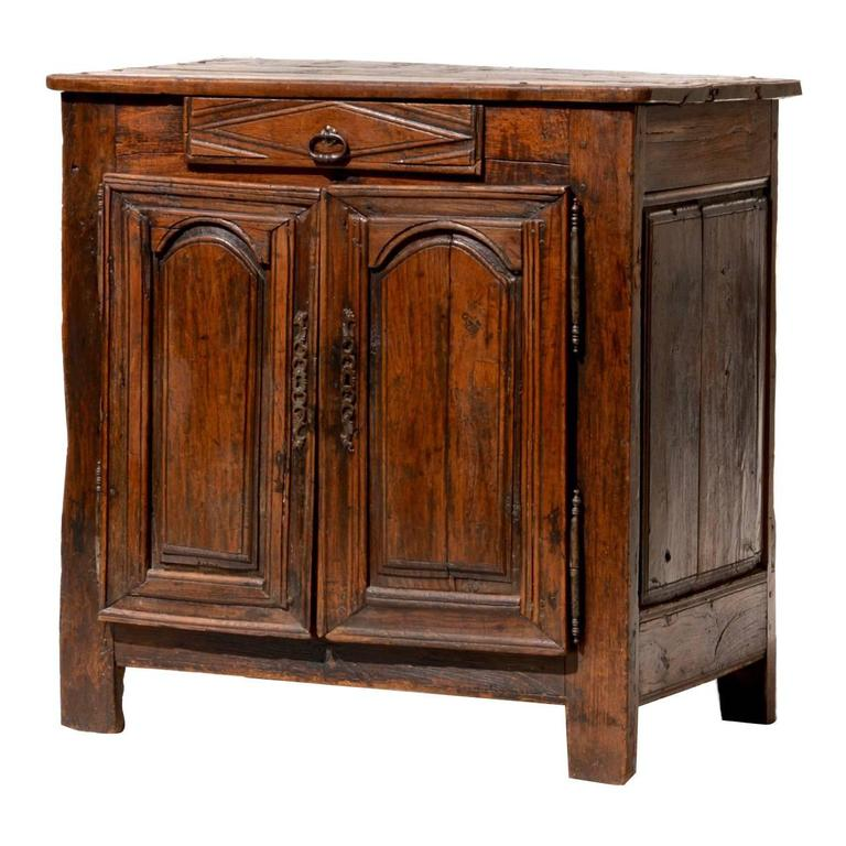 petite french buffet of oak for sale at 1stdibs. Black Bedroom Furniture Sets. Home Design Ideas