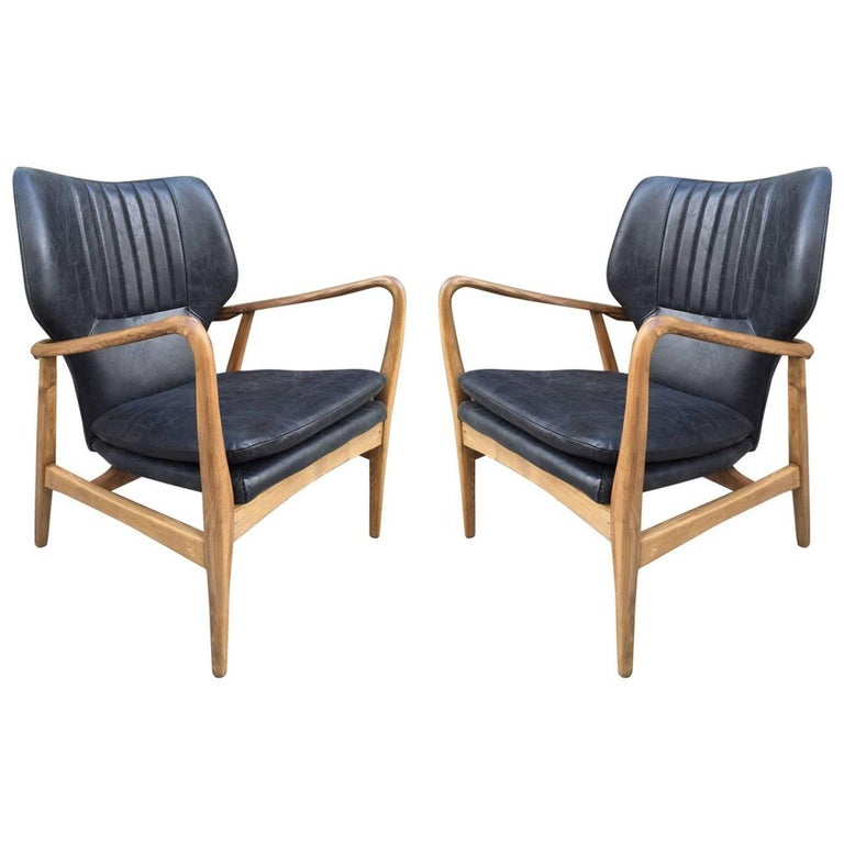 Pair of Bovenkamp Leather Lounge Chairs by Aksel Bender Madsen
