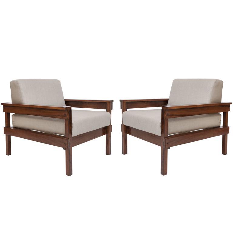 Pair of Midcentury Brazilian Jacaranda Armchairs Upholstered in Beige Linen For Sale
