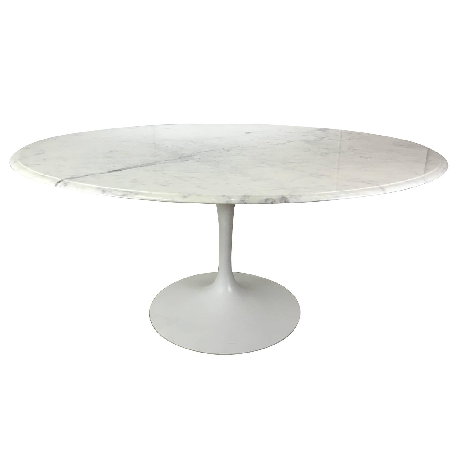 Italian marble top tulip dining table at 1stdibs for Marble top dining table
