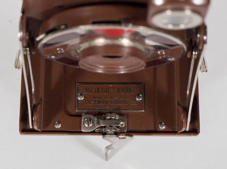 Important Art Deco Enamel and Chrome Box Fitted Camera by Walter Dorwin Teague 8