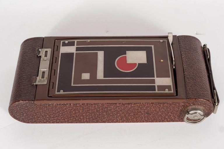 Important Art Deco Enamel and Chrome Box Fitted Camera by Walter Dorwin Teague 9