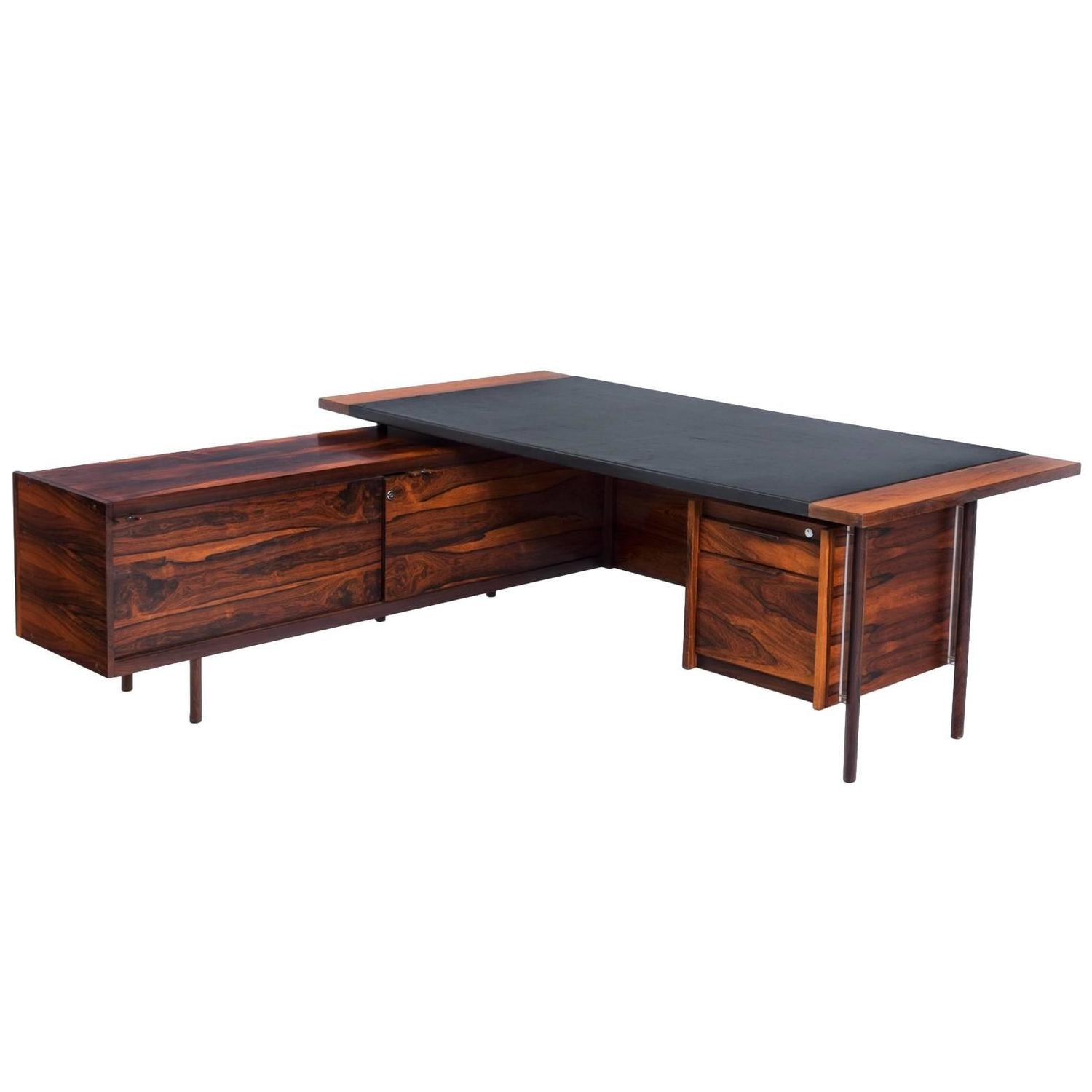 Sven Ivar Dysthe Corner Executive Desk in Rosewood For Sale at 1stdibs