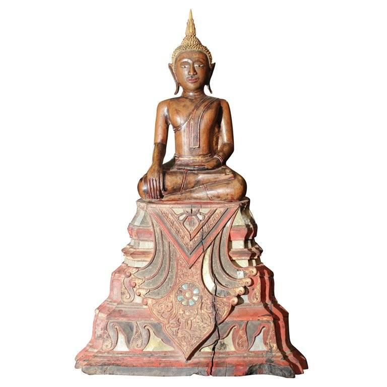 18th Century Thai Carved Teak Wood Seated Buddha Calling the Earth to Witness For Sale