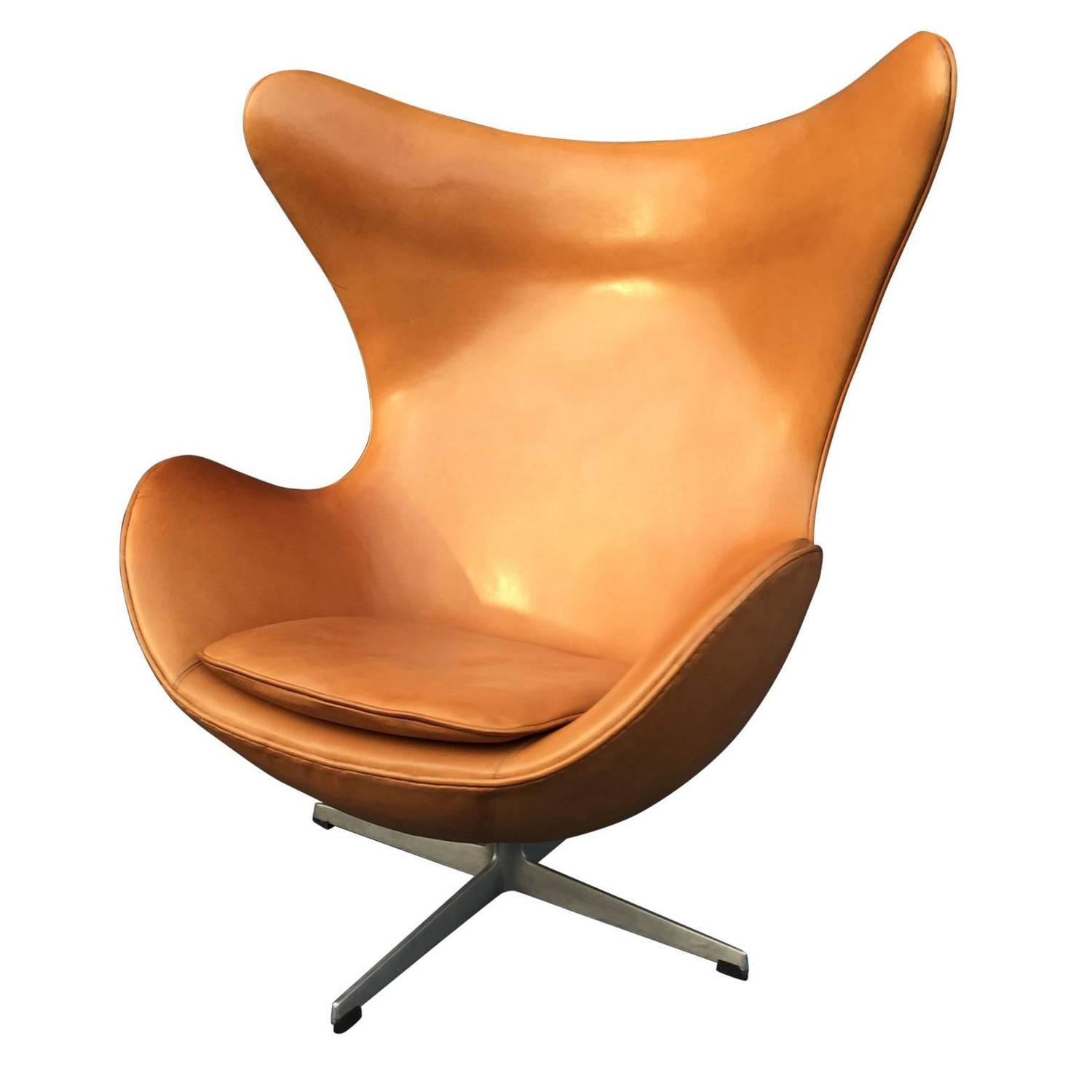 Egg chair and footstool by arne jacobsen at 1stdibs for Egg chair jacobsen