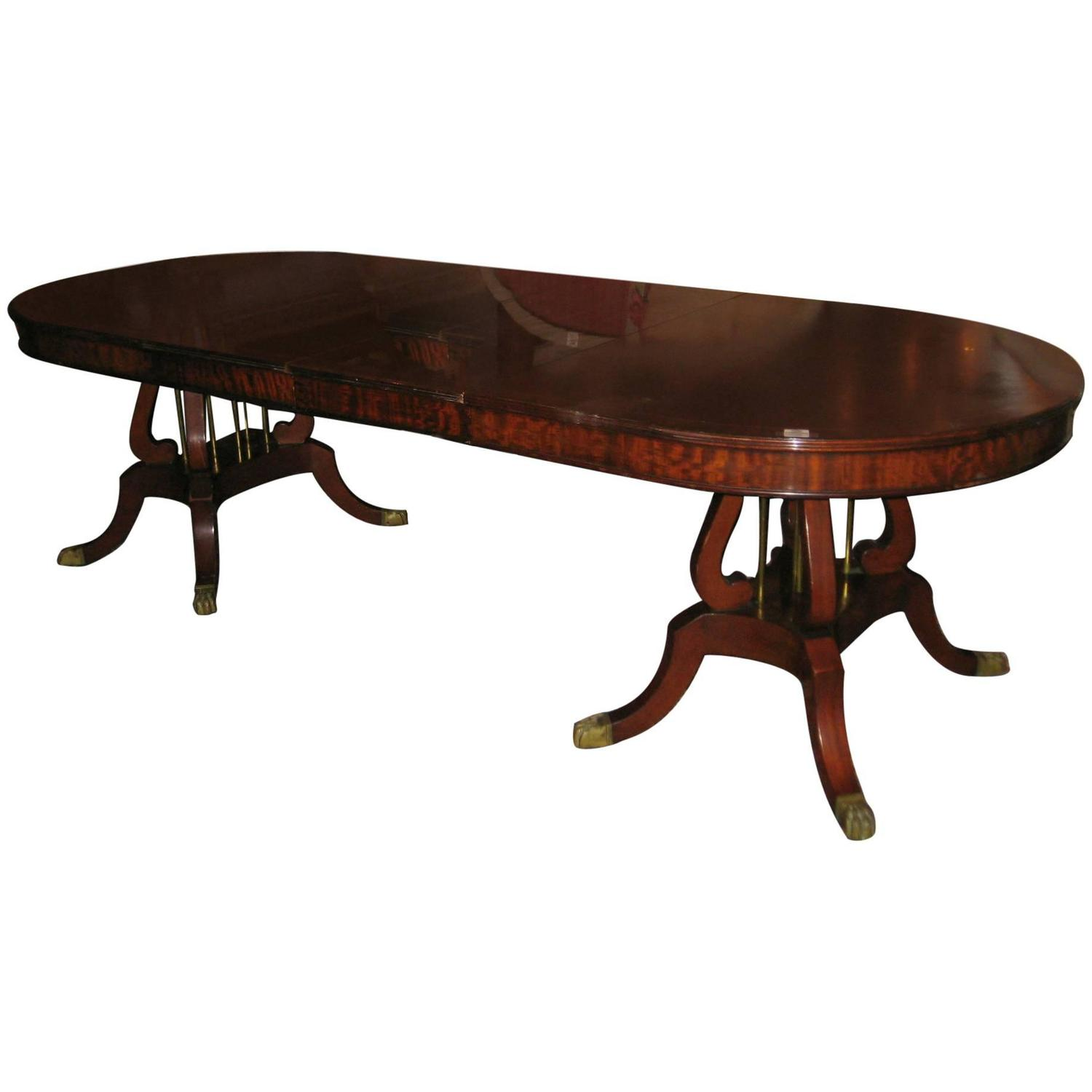 Federal style mahogany double pedestal dining table at 1stdibs for Pedestal dining table
