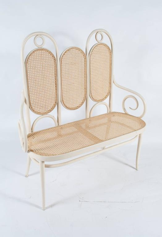 19th Century Thonet 207 Set: Bench, Three Chairs With Armrests And Three  Chairs Without
