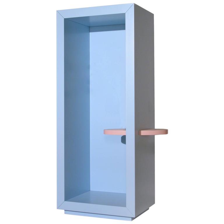 Italian Design Light Blue Lacquer Entryway Vase Holder, Memphis Postdesign  For Sale