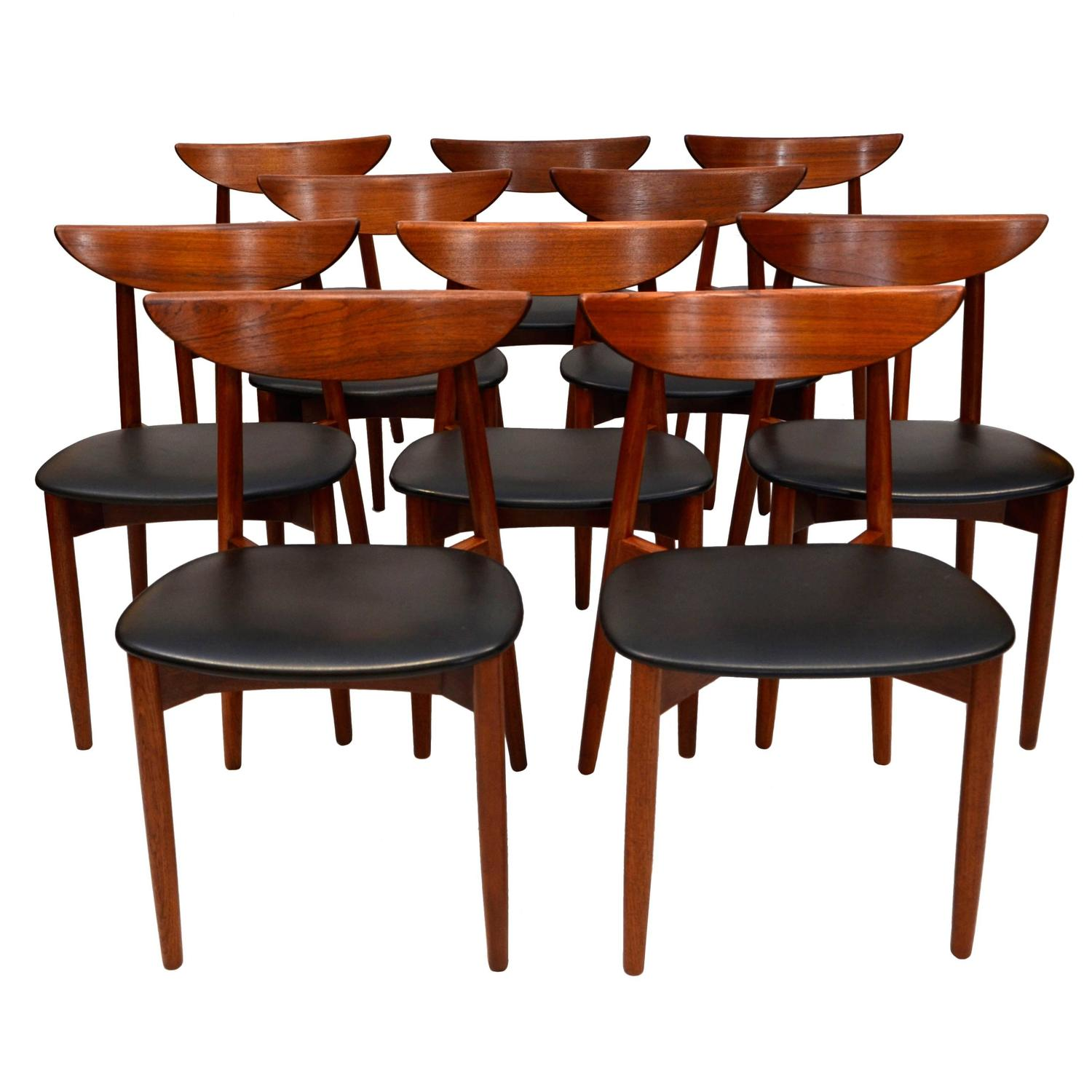 Set of ten teak dining chairs harry ostergaard for for Dining table harry styles