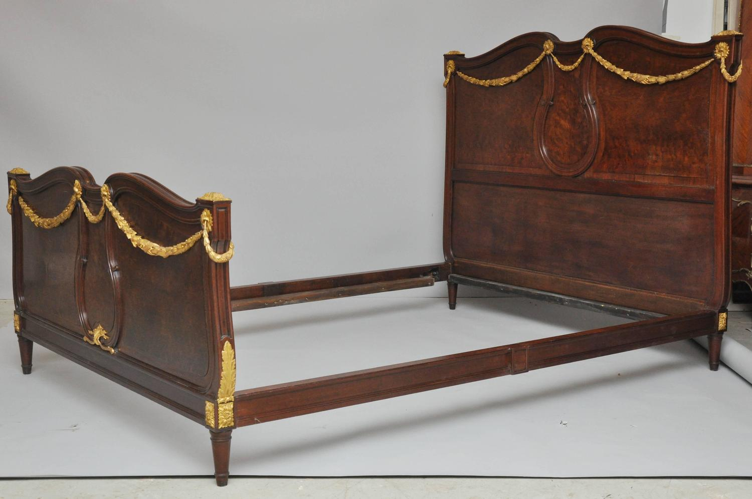 french empire queen size bed for sale at 1stdibs. Black Bedroom Furniture Sets. Home Design Ideas