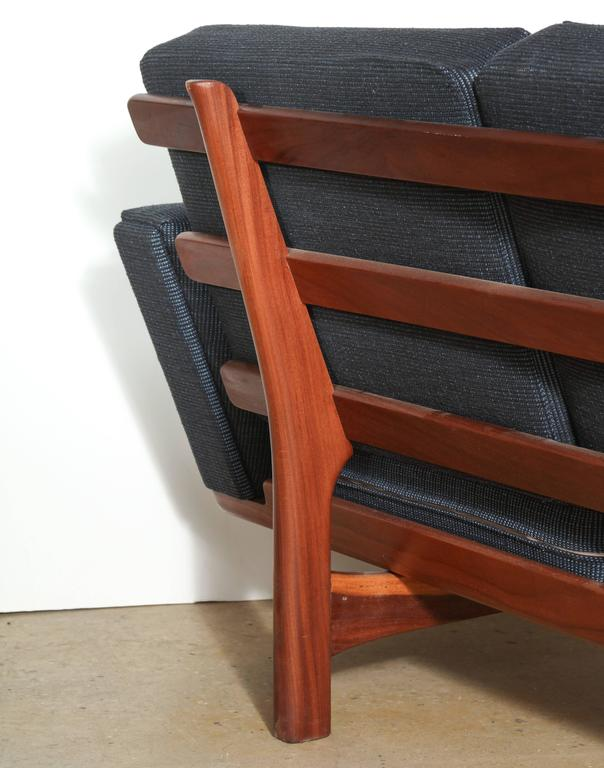 Hans Wegner for GETAMA GE-236 Solid African Teak Three-Seat Sofa, circa 1955 In Good Condition For Sale In Bainbridge, NY