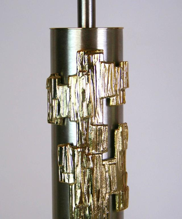 Rare Pair of Mid-Century Stainless Steel and Brass Lamps In Good Condition For Sale In Palm Springs, CA