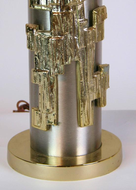 20th Century Rare Pair of Mid-Century Stainless Steel and Brass Lamps For Sale