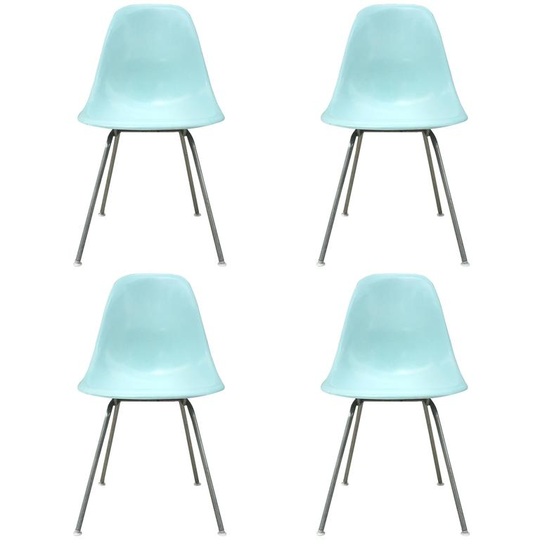 Delicieux Super Rare Four Herman Miller Eames Robinu0027s Egg Blue Dining Chairs For Sale