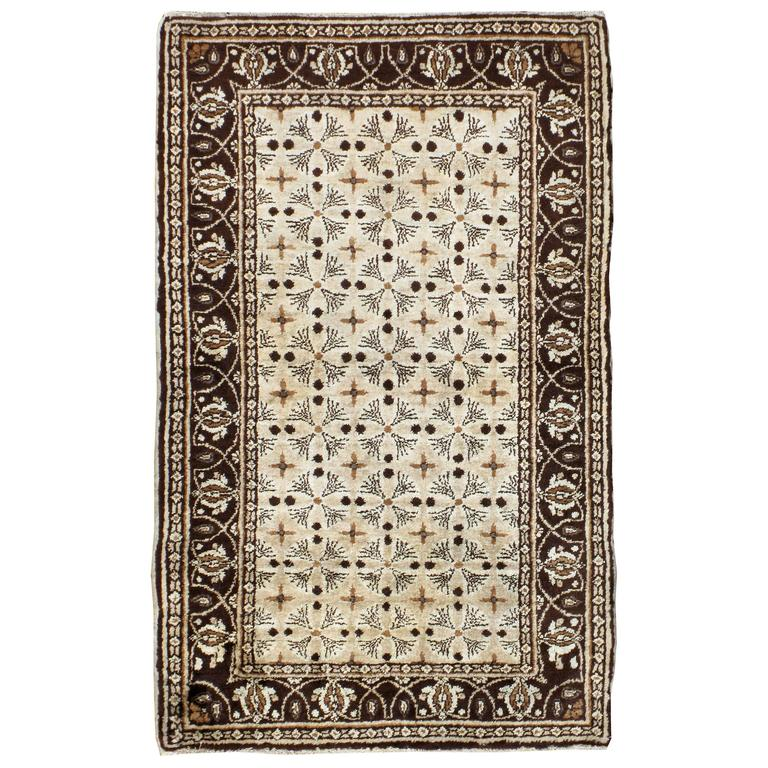 Antique Indian Agra Rug For Sale At 1stdibs: Vintage Indian Agra Rug For Sale At 1stdibs