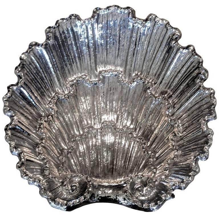 Louis XV Style Silver Plate Cup, circa 1870 For Sale