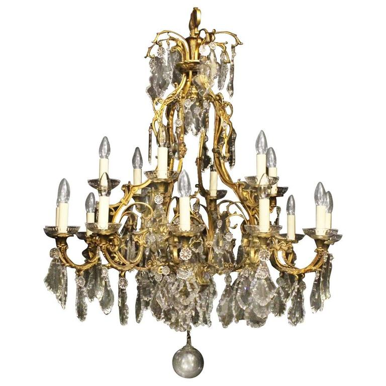 French Gilded Bronze Eighteen-Light Antique Chandelier For Sale - French Gilded Bronze Eighteen-Light Antique Chandelier At 1stdibs
