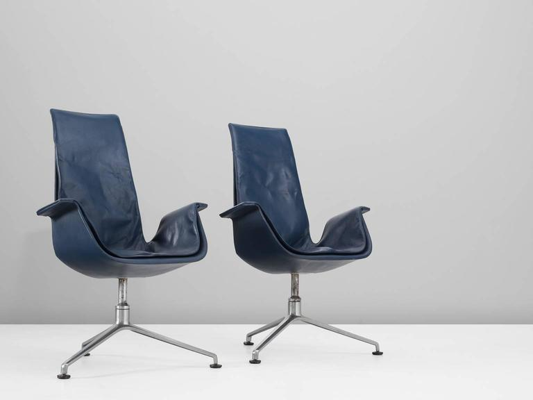 Fabricius & Kastholm Set of Two Blue Leather Tulip Chairs In Excellent Condition For Sale In Waalwijk, NL