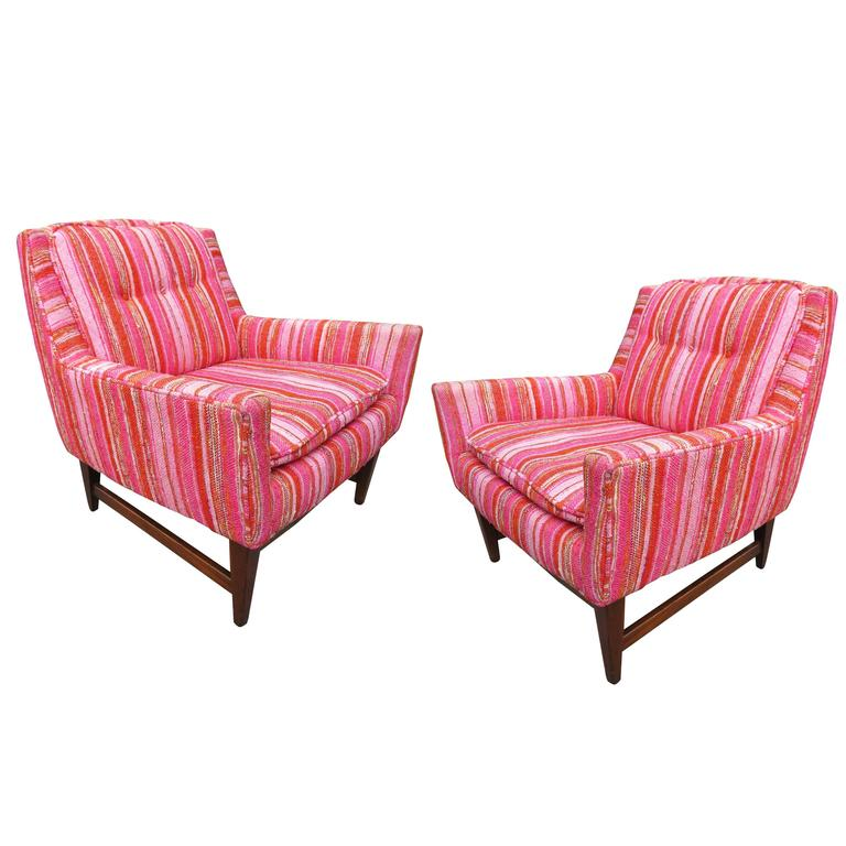 Lovely Pair of Mid-century Modern Tufted 3 Legged Lounge Chair For ...