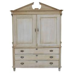 Dutch Neoclassical Linen Press Cabinet in Bleached Oak, 19th Century Antique