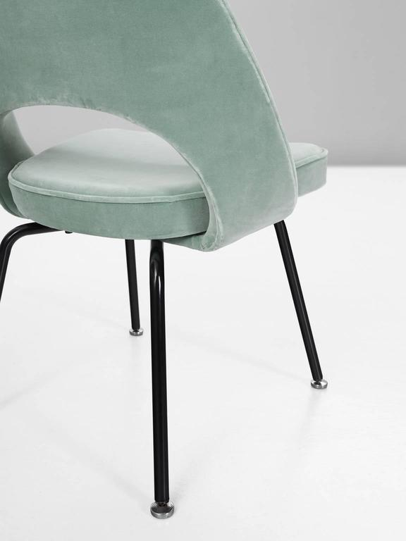 24 reupholstered chairs by saarinen for knoll for Reupholstered chairs for sale