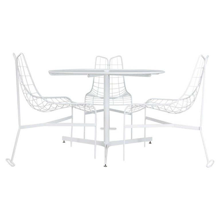 """Vladimir Kagan """"Capricorn"""" Outdoor Dining Chairs and Table, circa 1958, Restored"""