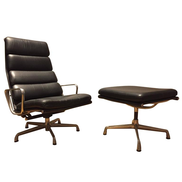 Herman Miller Eames Aluminium Group Soft Pad Lounge Chair And Ottoman For Sal