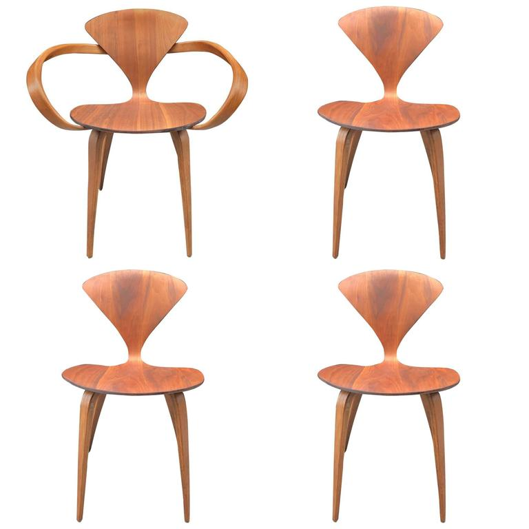 Four Vintage Cherner Chairs For Plycraft At 1stdibs
