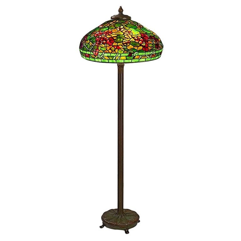 "Tiffany Studios New York ""Nasturtium"" Table Lamp"