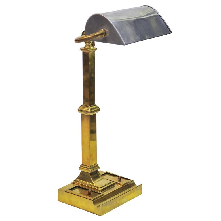 High Quality Early 20th Century Brass Desk Lamp With Original Inkwells And Pen Tray For  Sale
