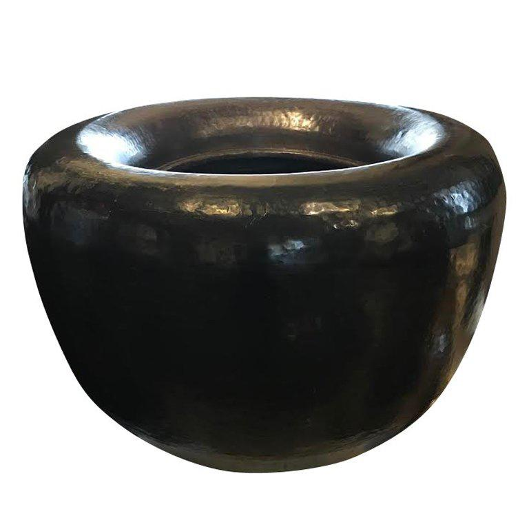 Early 20th Century Indian Round Brass Planter In Excellent Condition For Sale In New York, NY