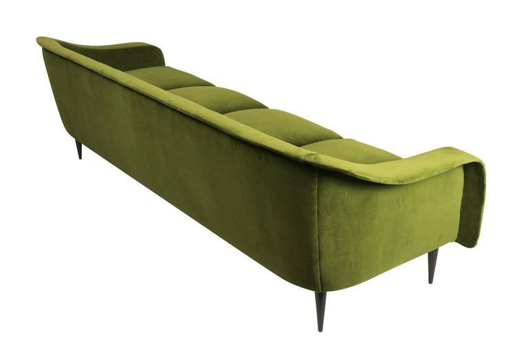 Mid-20th Century Brazilian Modern Sofa by Joaquim Tenreiro For Sale