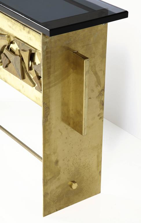 Italian Brutalist Style Brass Console with Smoke Gray Lucite Top For Sale 2